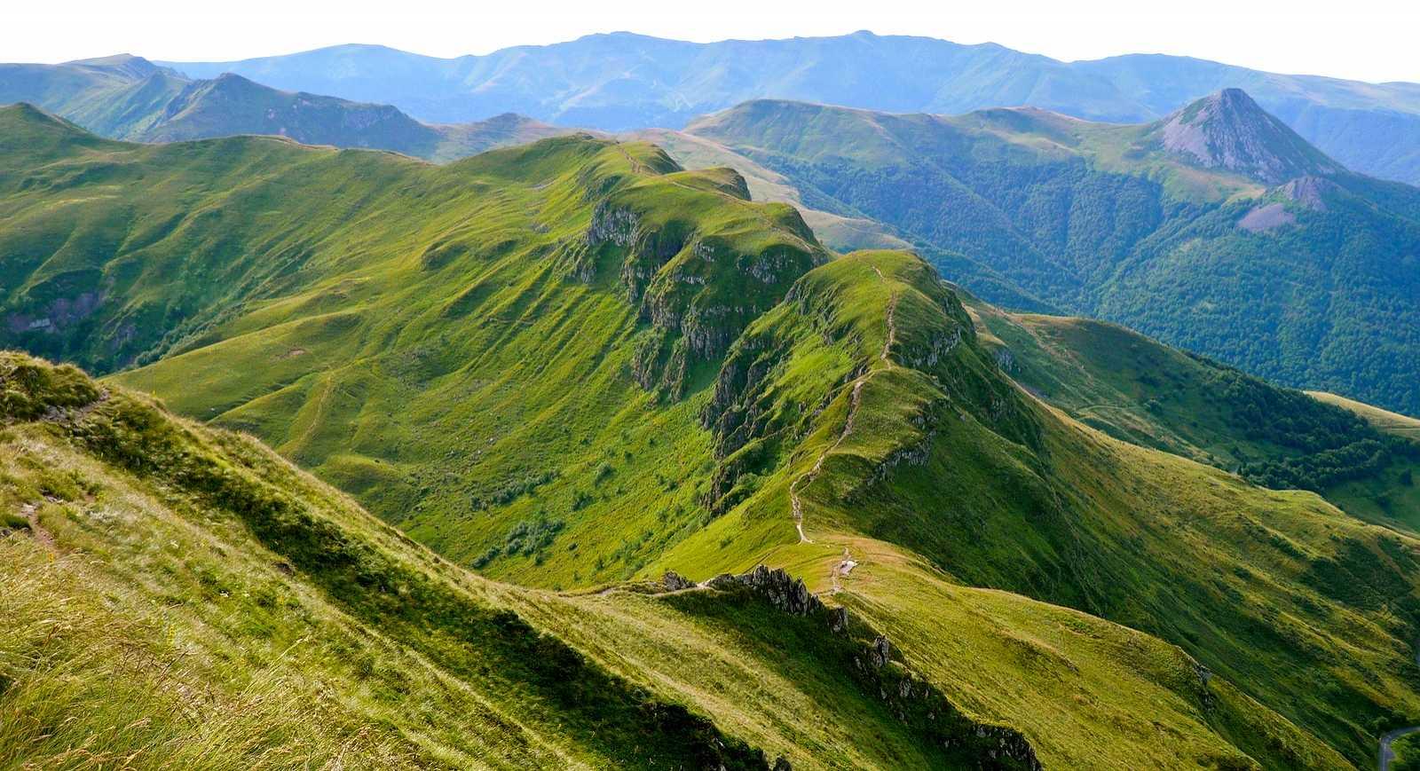 Le Cantal est un département propice aux balades vertes.
