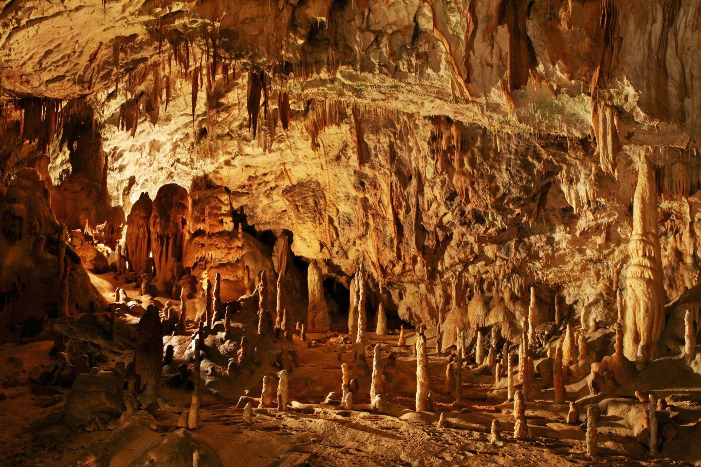 stalagmite lumi 232 re sur un ph 233 nom 232 ne qui a toujours fascin 233